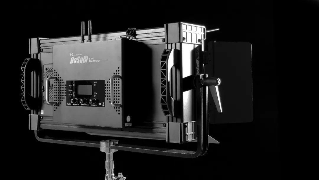 锐鹰 DS-812 全彩 LED 摄影灯 全网首开